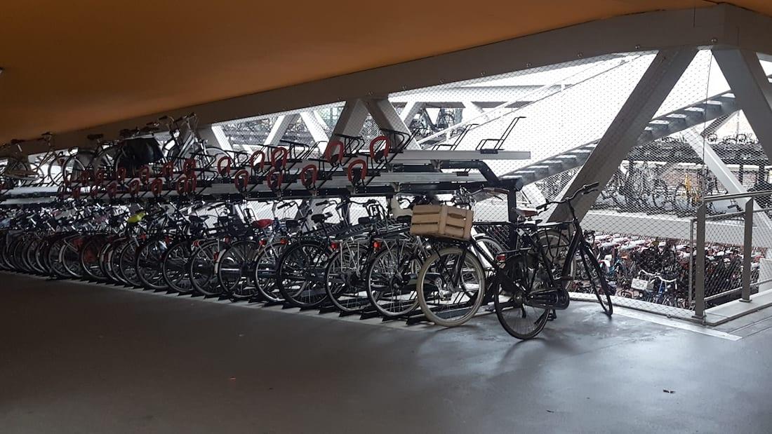 Station Hengelo - fietsenstalling - Carl Stahl